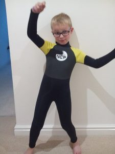 2017 colour - kids 5mm full wetsuit size large