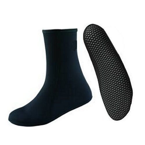 3mm neoprene socks with fleecy lining and grippy sole