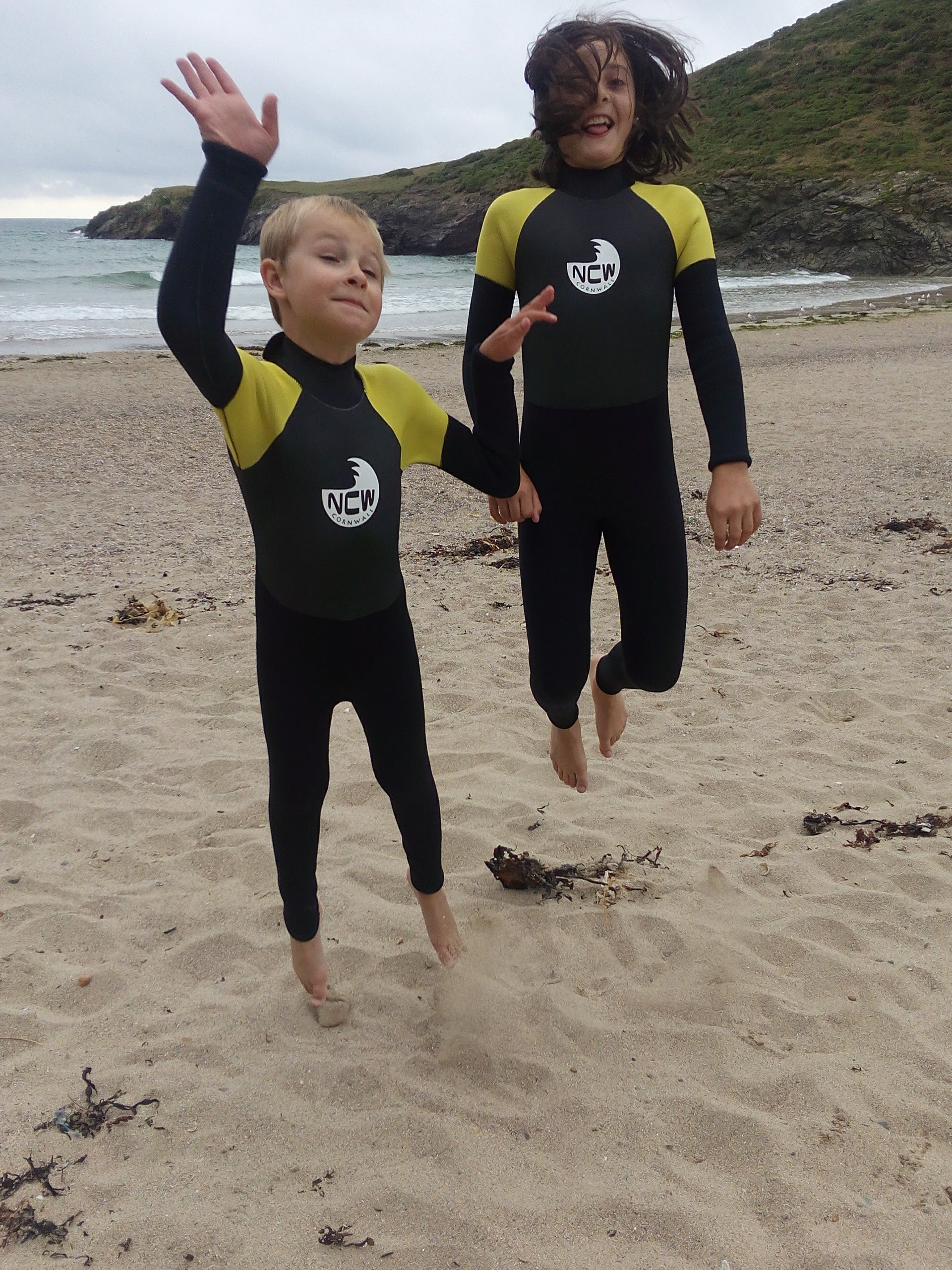 Kids & Junior 5mm Full Wetsuit All Watersports / Beach Use ...