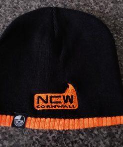 fold over / cuffed beanie hat (black / orange)